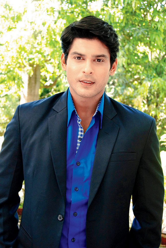 Siddharth Shukla Body Transformation