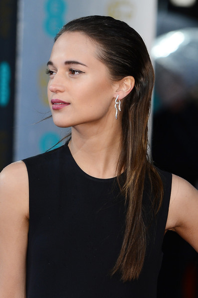 Alicia Vikander Plastic Surgery Before After Breast Implants